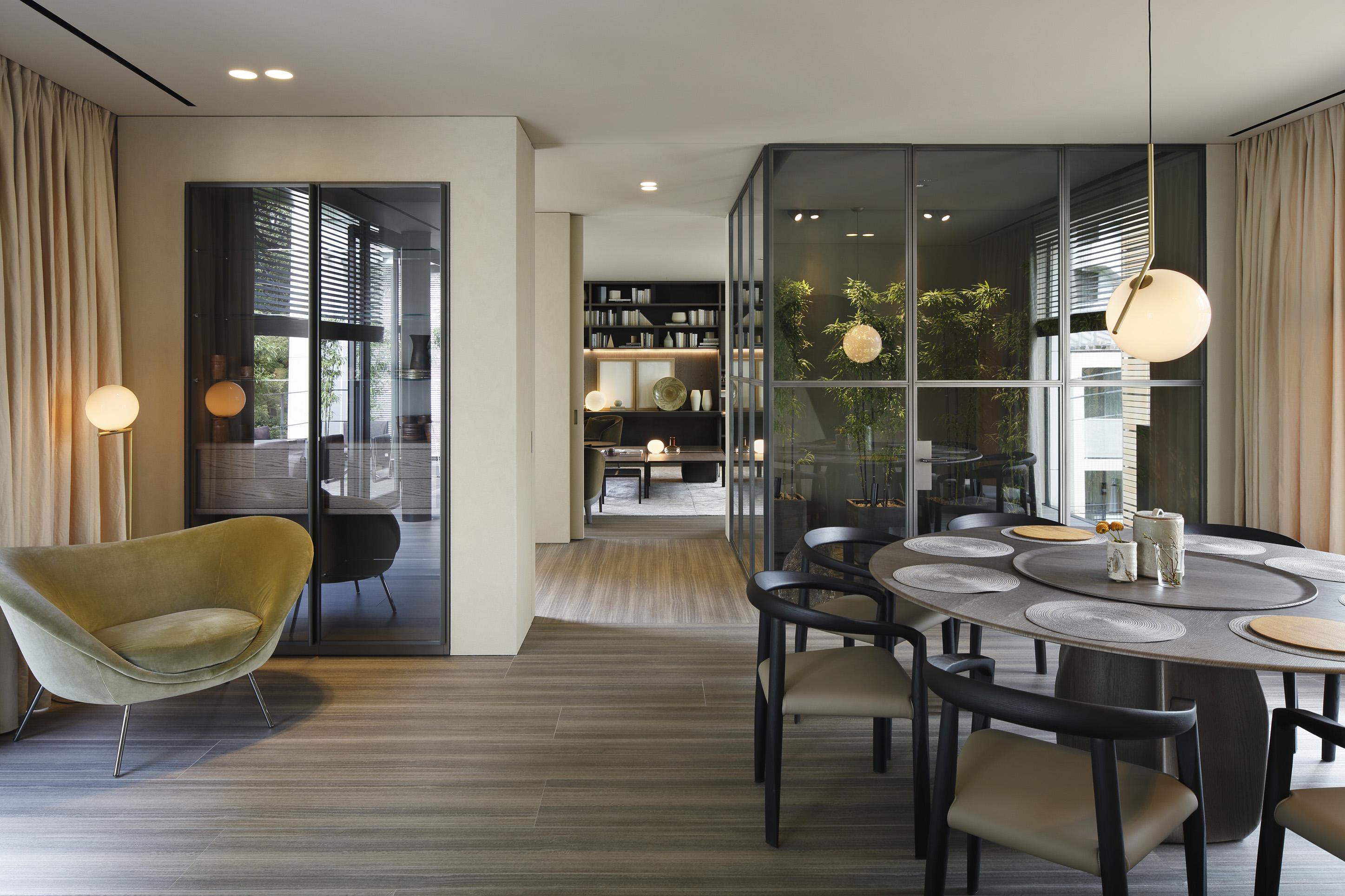 molteni c inaugurates molteni home. Black Bedroom Furniture Sets. Home Design Ideas